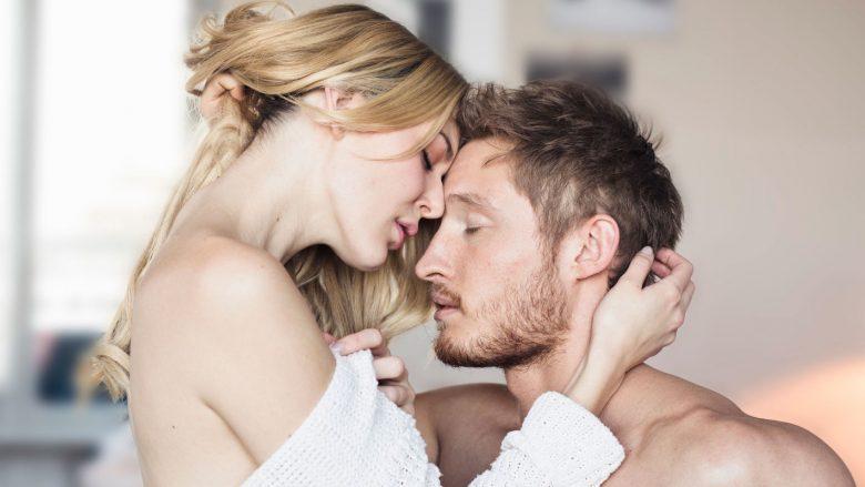 A ngel më lehtë me barrë femra nëse kënaqet në seks?