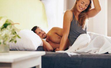 Pozita më e mirë e seksit kur ajo ndjehet e stresuar!