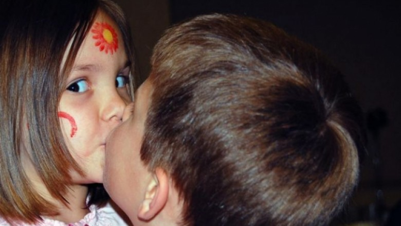 Dashuria e parë: Si duhet reaguar kur dashurohet filloristi