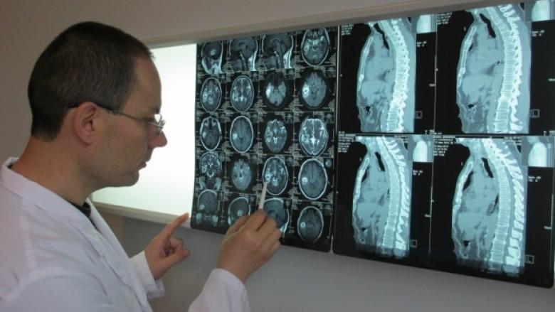 Dr. Fatos Kelmendi, neurokirurg