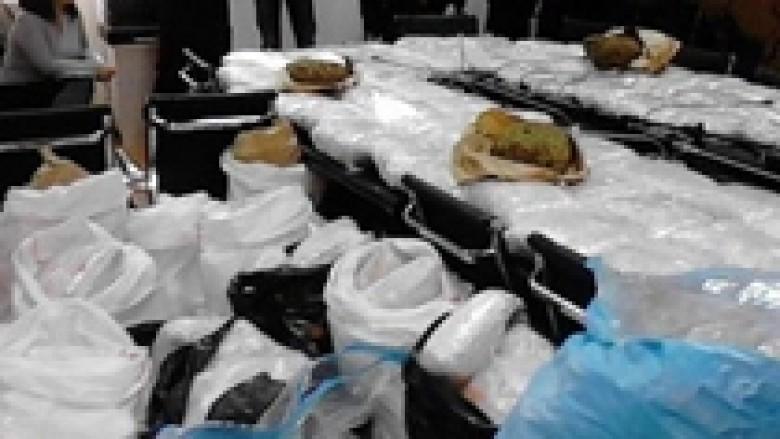 Zbulohen 350 kg drogë në kamionin që transportonte dyshekë