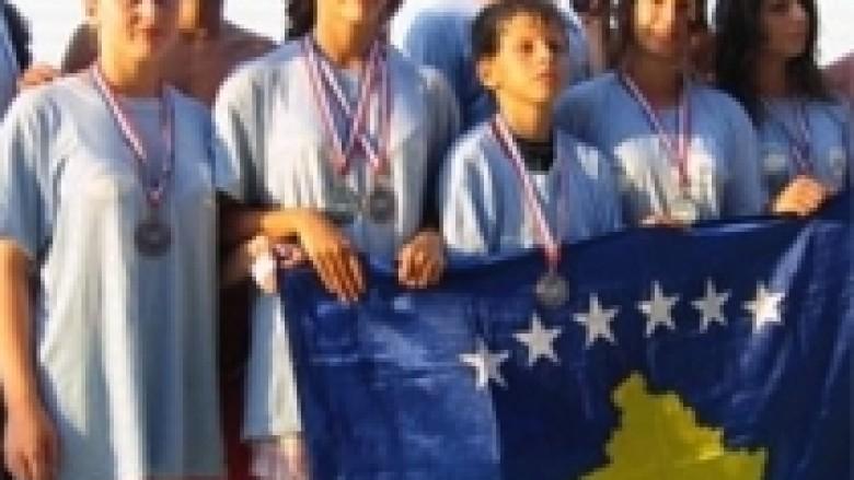 Notaret kosovare kthehen me gjashtë medalje