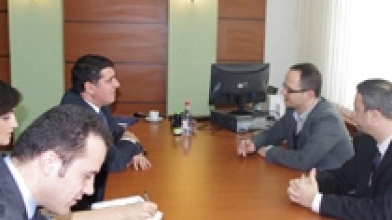 Haziri e Bushati biseduan për integrimet evropiane