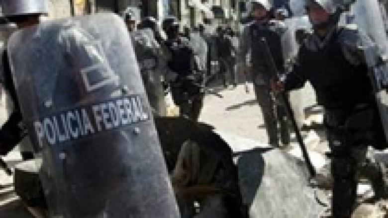 Meksikë, arrestohen mbi 150 policë