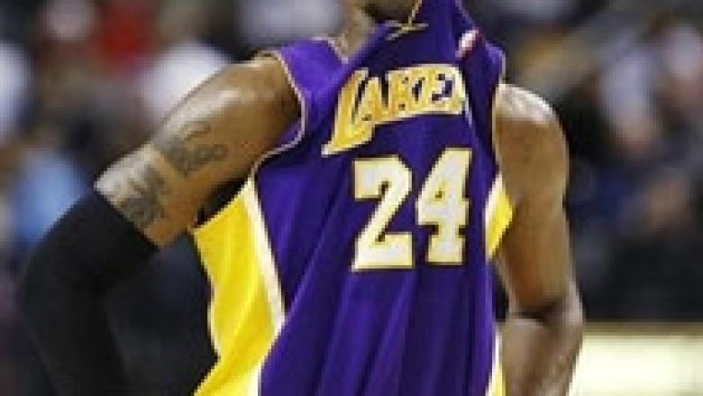 NBA: Lakers vazhdojnë të vuajnë