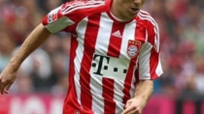 Robben shënjestron tre titujt