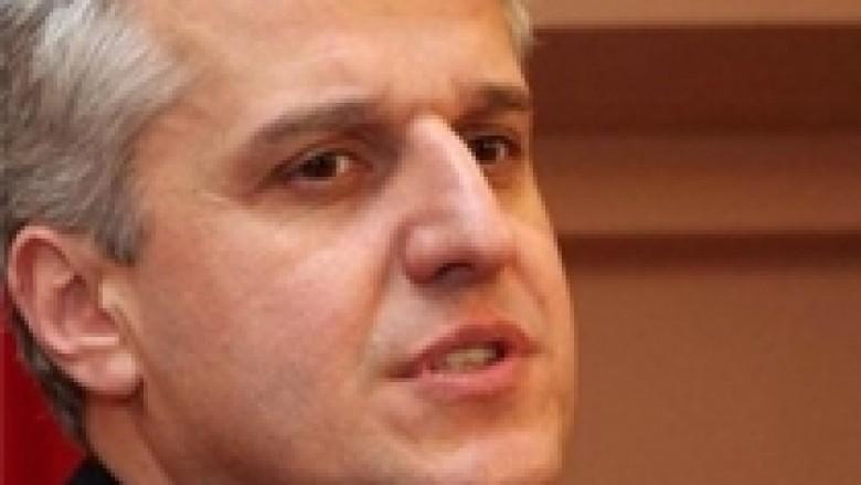 Majko: Nuk nënshkrova marrëveshjet Kosovë –Shqipëri, ishin edhe në gjuhën serbe