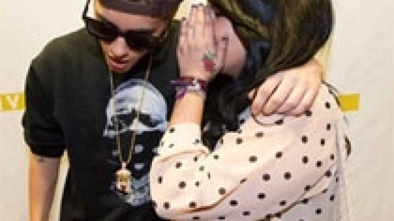 Bieber kap për gjoksi një fanse të re (Foto)