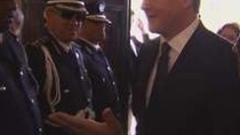 Cameron vizitë të papritur në Libi