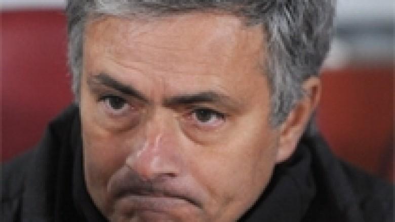 Mourinho merr përgjegjësinë për humbjen