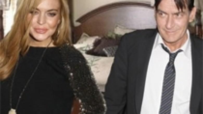 Sheen vazhdon ta mbështesë Lindsayn