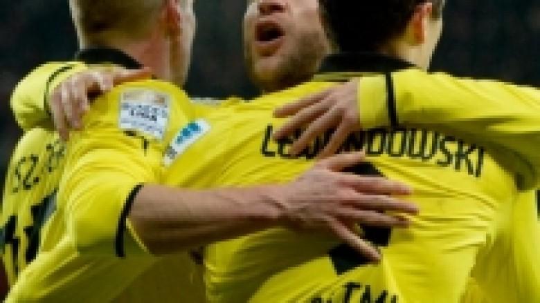 Dortmundi fiton pas dramës