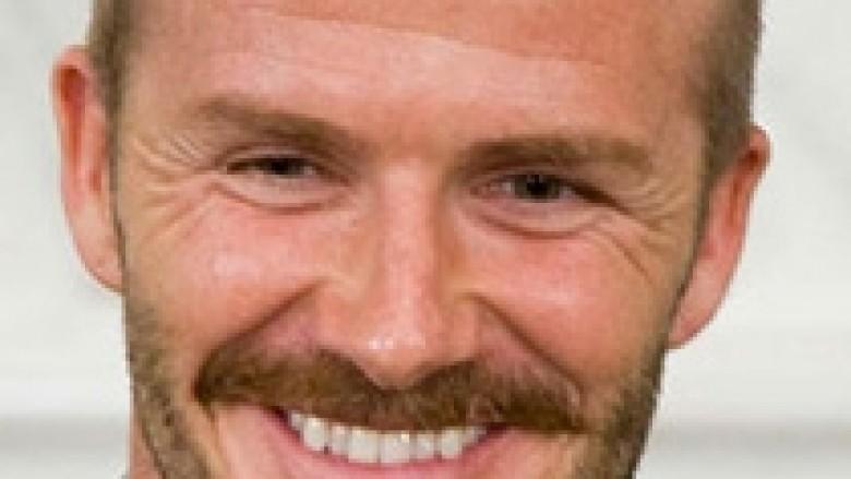 David Beckham mëson frëngjishten