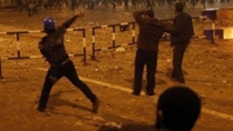 Dhuna në Egjipt, dorëhiqet një ministër