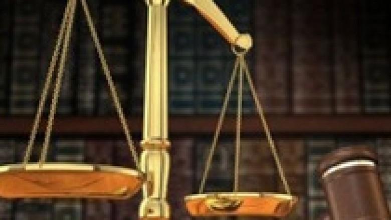 Shtatë persona lirohen nga akuzat për krime lufte