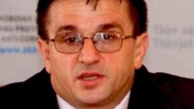 Preteni: Jakup Krasniqi nuk foli mirë