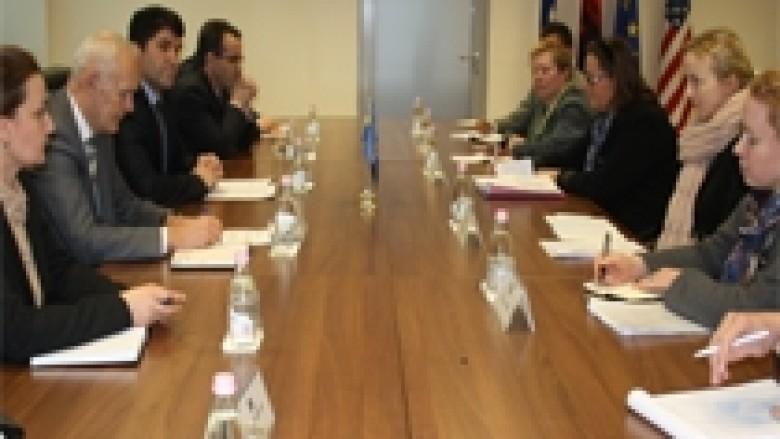 Suedia mbështet reformimin e sistemit të drejtësisë në Kosovë