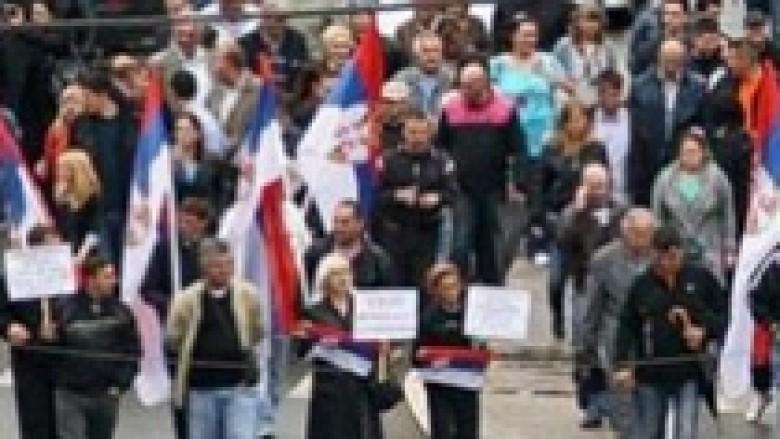 Protestë kundër gjykimit të 6 serbëve në veri të Mitrovicës