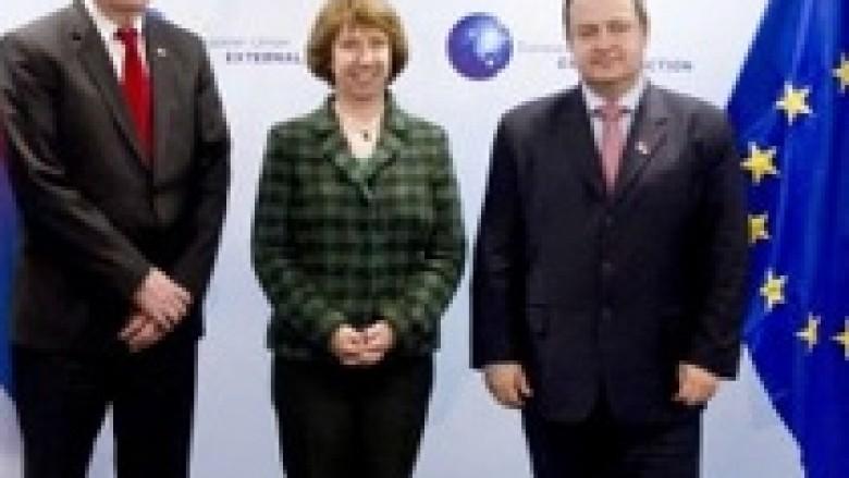 Thaçi e Dacic, së shpejti takohen te baronesha Ashton