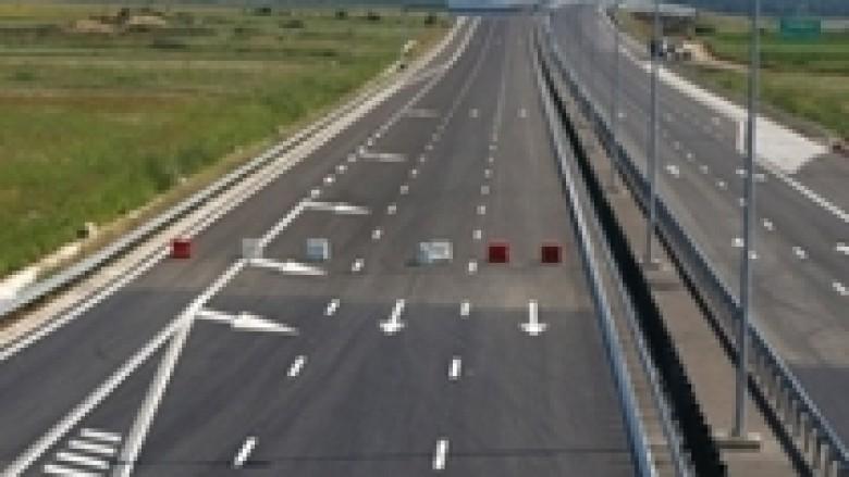 Rinovohet pjesa e shembur e autostradës