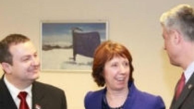 Serbia zbaton marrëveshjen aq sa i konvenon