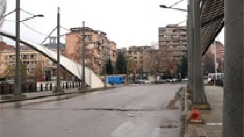 Barrikada mbi Ibër, synohet të hiqet nga Thaçi e Dacic