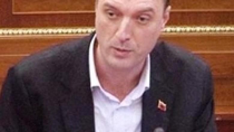 Ymeri: PDK-së po i ngutet ta amnistojë Zharkun