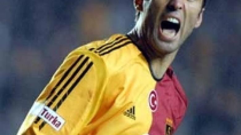 Thaçi priti legjendën Şükür