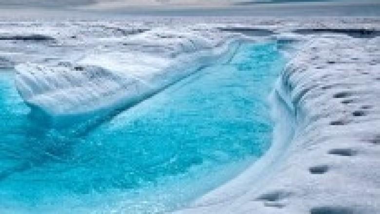 Shkencëtarët regjistrojnë shkrirje rekorde të akullit