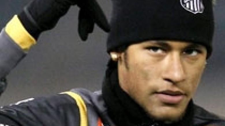 Neymar: Messi duhet ta fitojë Topin e Artë