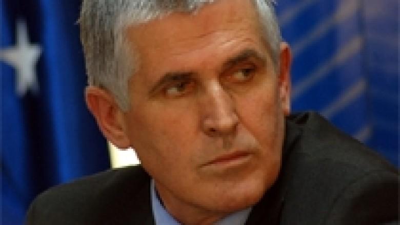 Rexhepi: Edhe serbët do të paguajnë doganë
