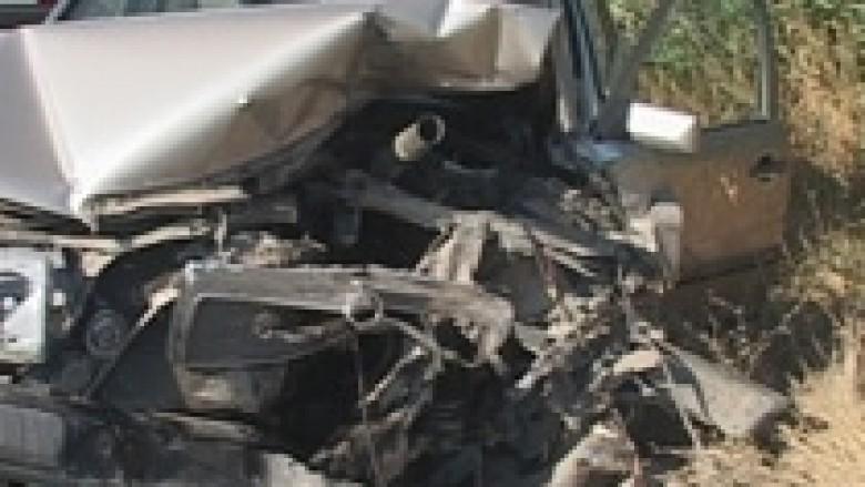 Dy të vdekur në aksidentin Prishtinë-Mitrovicë