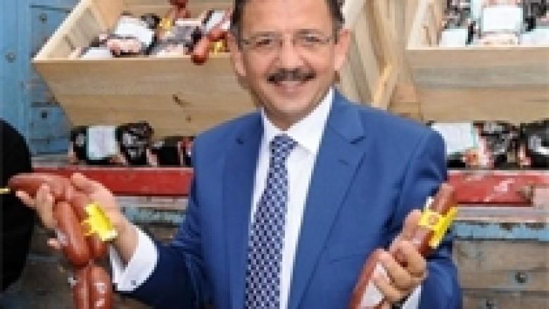 Kreu i komunës ndan 3.5 tonelata suxhuk për qytetarët