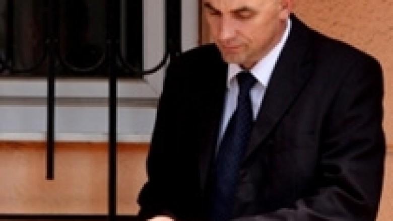 Mustafi e dëshmitari i mbrojtur akuzojnë njëri-tjetrin