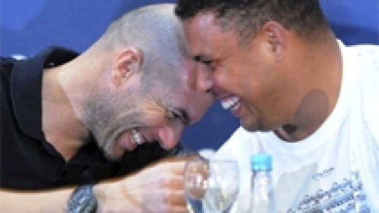 Ronaldo 3-2 Zidane (Video)