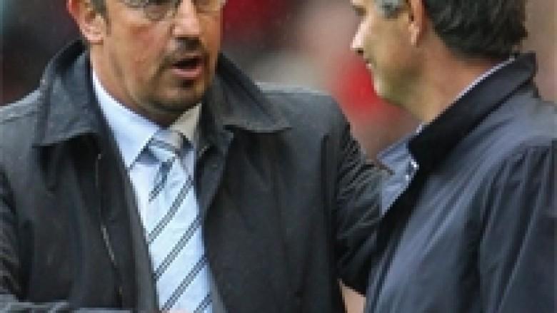 Mourinho e ngacmon Benitezin