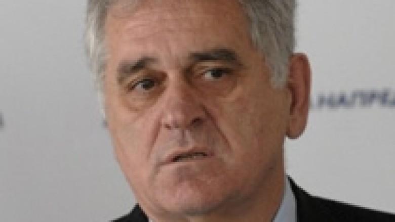 Nikolic: Serbia kurrë në NATO