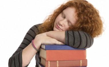 Fjetja për 90 minuta pas mësimit, ndihmon në mbajtjen mend të fakteve
