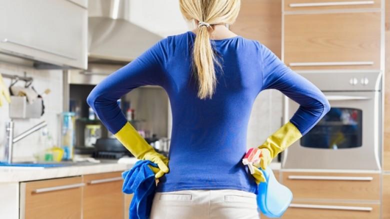 Kujdes me produktet e pastrimit! Nxisin astmën