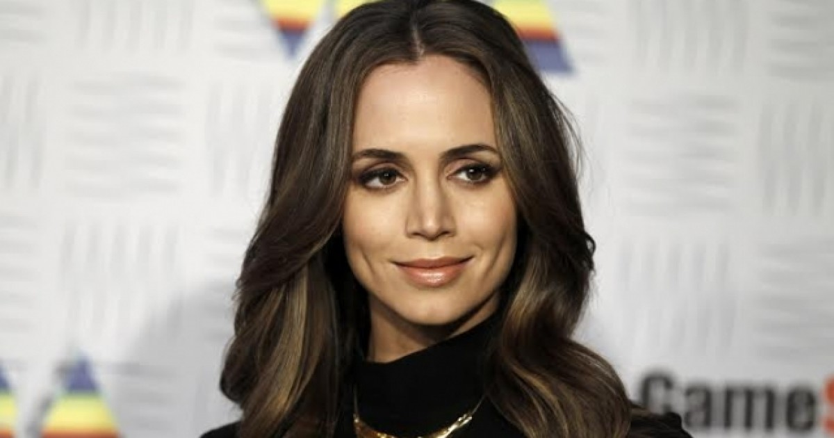 Image result for Eliza Dushku telegrafi