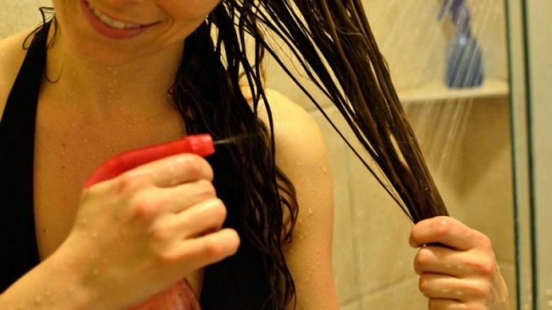 Si ta përdorësh uthullën e mollës për flokë dhe lëkurë të shkëlqyeshme