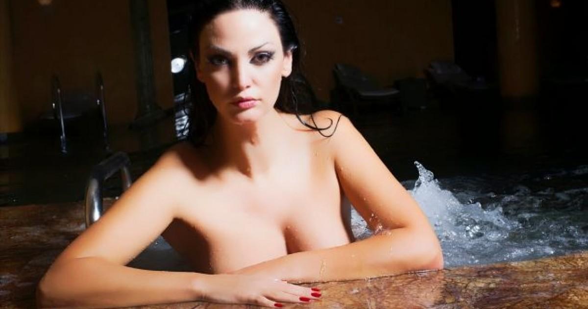asian girl nude embaresed