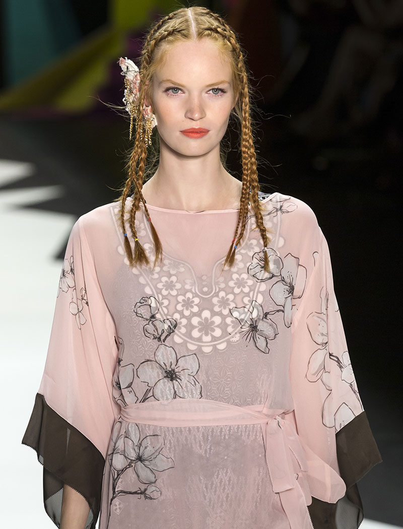 Desigual-Braided-Hairstyle-Spring-2016