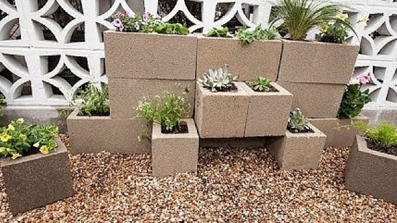 Ndërtoni kopshtin nga blloqe betoni (video)