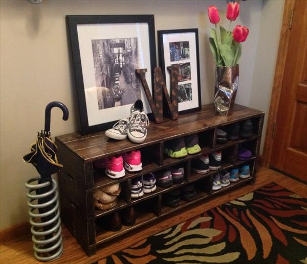 pallet-wood-shoes-rack-1