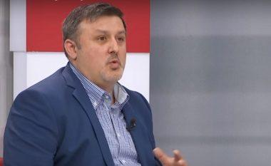 Sinani: Ahmeti e ka të vështirë të ndahet nga Gruevski