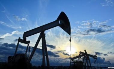 Nafta mbi 51 dollarë për fuçi