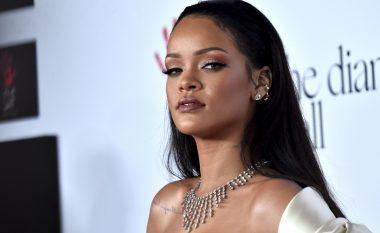 Rihanna publikon foto nga dhjetë vjet më parë, nuk e besoni si është dukur (Foto)