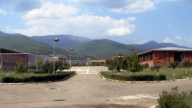 Më 22 maj ish të burgosurit dhe familjarët vizitojnë vendin ku ndodhi masakra e Dubravës