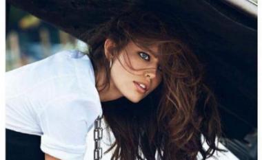 Emily Didonato shfaqet atraktive, pa të brendshme (Foto)